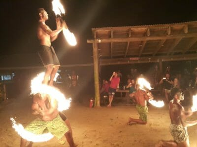 Fijian Dance Show at Robinson Crusoe Island in Fiji (6)